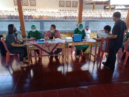 Hari Ke Tiga Vaksinasi Serentak di Desa Bubunan